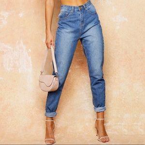 NWOT Boohoo Mom Jeans